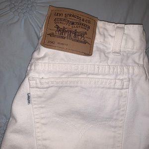 Vintage White Levi's 950 Mom Shorts